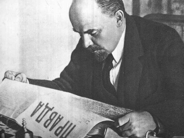 lenin-reading-pravda.jpg?w=600